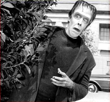 Sorry, I know I'm talking about The Munsters an awful lot these days.  I'll settle down soon, I promise.